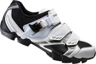 Shimano WM63 är en Dam mtb-sko med glasfiberförstärkt sula och 3 spännen för bra justering